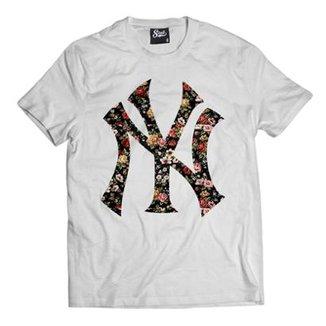 8ca28e675b74e Camiseta Skull Clothing NY Floral Masculina
