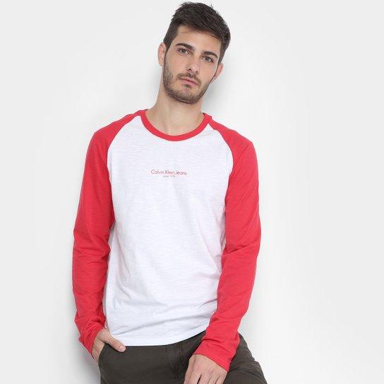cf193da33baf8 Camiseta Calvin Klein Raglan Masculina - Compre Agora