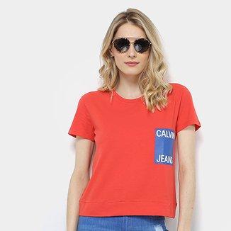 Camiseta Calvin Klein Logo Manga Curta Feminina cf5a77b2bd