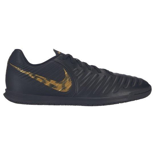 132c19ad5a Chuteira Futsal Nike Tiempo Legend 7 Club IC - Preto e Dourado ...