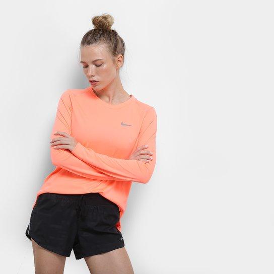 Camiseta Nike Miler Manga Longa Feminina - Coral - Compre Agora ... f86330f22d25a
