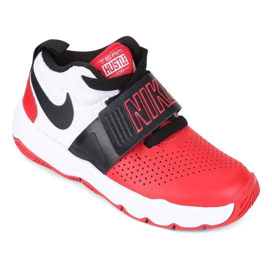 869b743c88b Tênis Infantil Nike Team Hustle D 8 Masculino - Branco e Vermelho ...