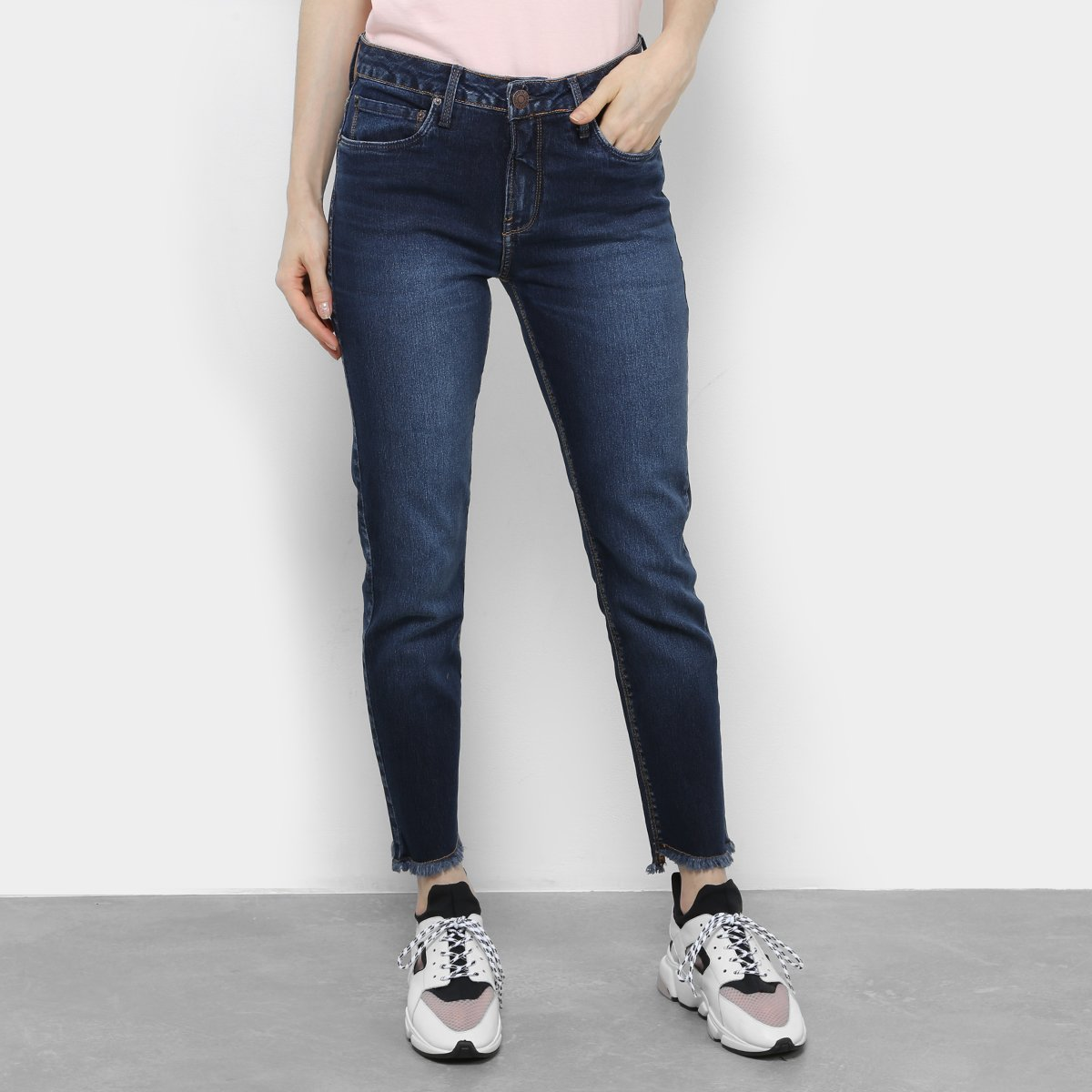 07ea0bebd197b Calça Jeans Slim Calvin Klein Cintura Média Feminina