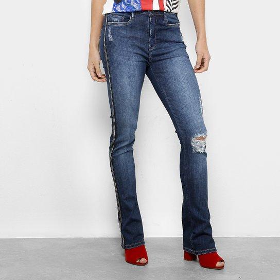e79829b7a Calça Jeans Flare Carmim Valparaiso Estonada Cintura Média Feminina - Azul  Escuro