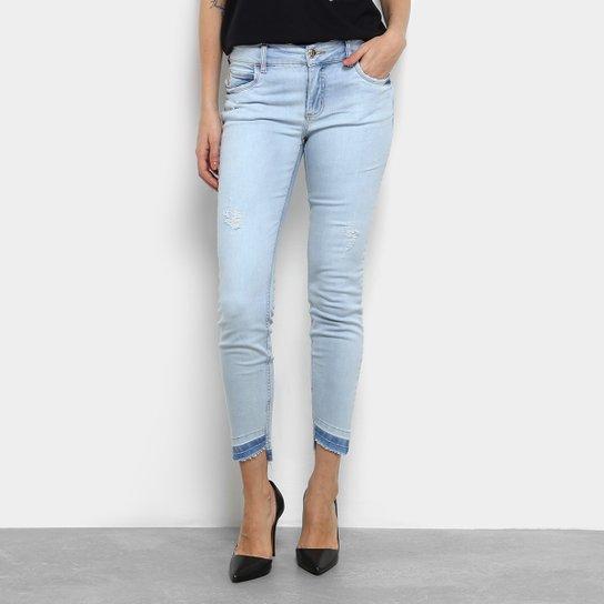 bfd934709 Calça Jeans Skinny Colcci Fátima Barra Assimétrica Cintura Média Feminina -  Azul Claro
