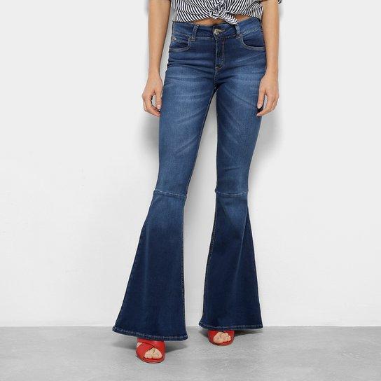 2744ee0b7 Calça Jeans Flare Colcci Cintura Média Feminina - Compre Agora ...