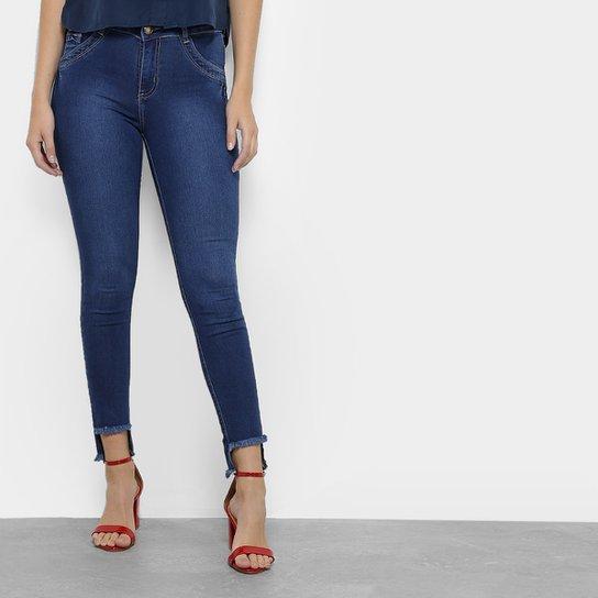 afa91aac81 Calça Jeans Skinny Coffee Barra Assimétrica Feminina - Compre Agora ...