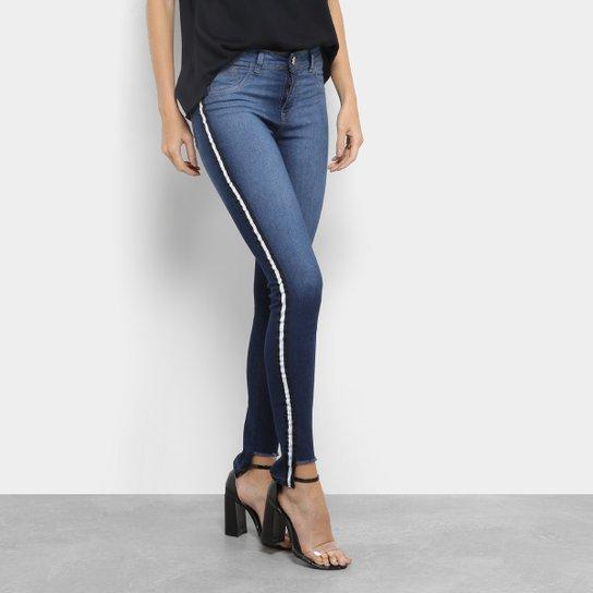 5bcdbbf43 Calça Jeans Skinny Coffee Barra Desfiada Cintura Média Feminina - Azul
