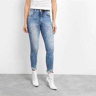 d08a0aea3 Calça Jeans Skinny Biotipo Cigarrete Barra Irregular Cintura Alta Feminina