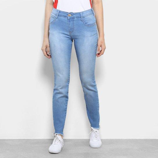 268fa8649 Calça Jeans Skinny Coca-Cola Barra Desfiada Cintura Média Feminina - Azul  Claro