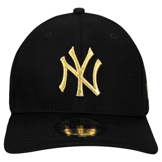Boné New Era 3930 MLB New York Yankees - Preto e Dourado - Compre ... 54d7b7c092b