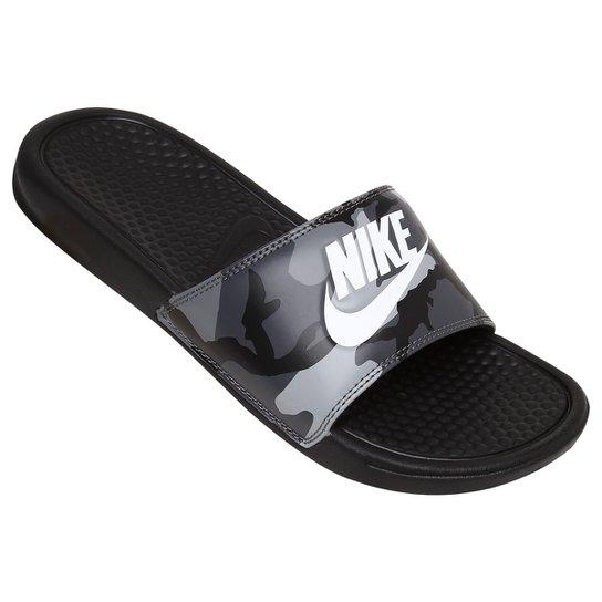 ce26e190d48 Chinelo Nike Benassi Jdi Print - Preto e Branco - Compre Agora ...