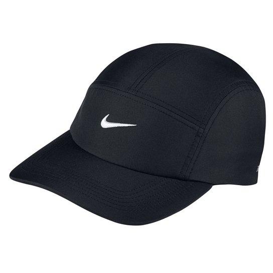 Boné Nike Aba Curva Aw84 Core - Preto e Branco - Compre Agora  923d5aa157c
