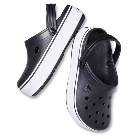 f6d73660bce Crocs Crocband Platform Clog - Preto e Branco - Compre Agora