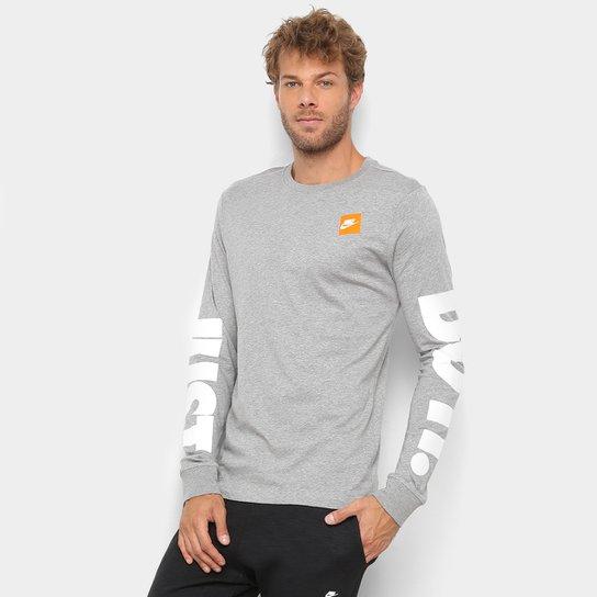 Camiseta Manga Longa Nike LS Masculina - Cinza e Branco - Compre ... 1dc196c1b7c1d