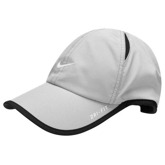 Boné Nike Feather Light - Compre Agora  bd7516d5381