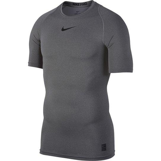 Camiseta Compressão Nike Pro Masculina - Cinza e Preto - Compre ... 9847563e8d274