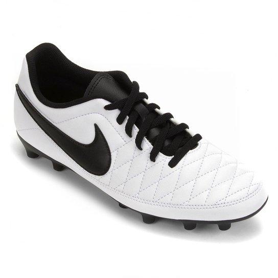 092976bae Chuteira Campo Nike Majestry FG - Branco e Preto