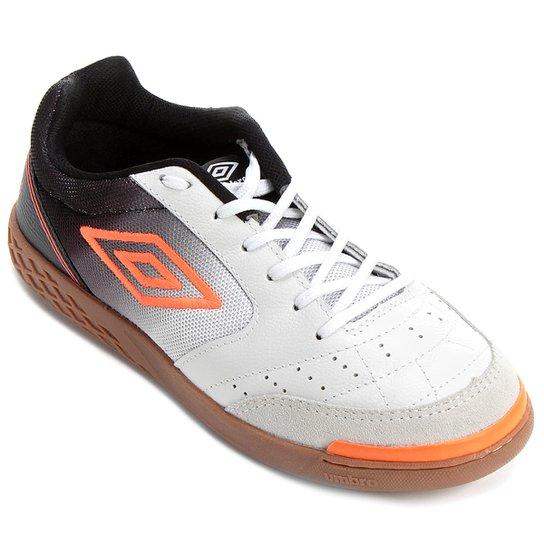 ba7ebb989a Chuteira Futsal Umbro Box - Branco e Preto - Compre Agora