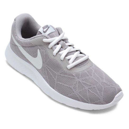 Tênis Nike Tanjun Se Feminino - Cinza - Compre Agora  6ef9e8a37513f