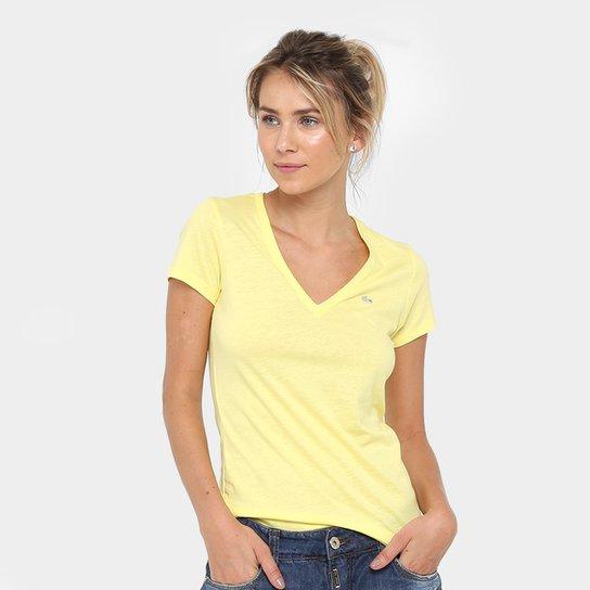 Camiseta Lacoste Bordada Feminina - Compre Agora   Netshoes e5b82749f0
