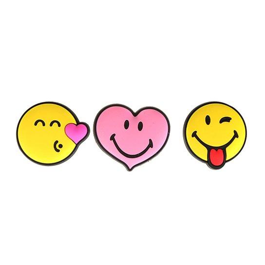785632d8dba Jibbitz Infantil Crocs Smiley Brand Love 3-Pack - Compre Agora ...