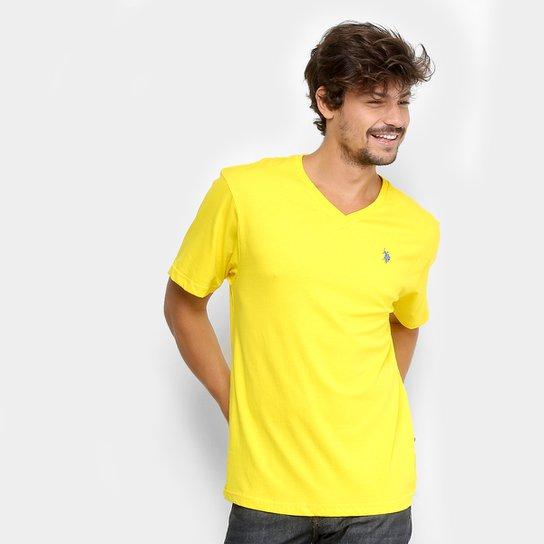 d608ede42 Camiseta U.S. Polo Assn Gola V Masculina - Amarelo - Compre Agora ...