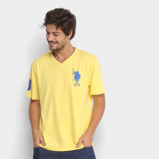 Camiseta U.S. Polo Assn Bordado Gola V Masculina - Amarelo - Compre ... 66dcaf5e76f74
