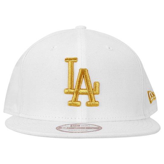 5394b5fea49f7 Boné New Era 950 Los Angeles Dodgers - Branco e dourado - Compre ...