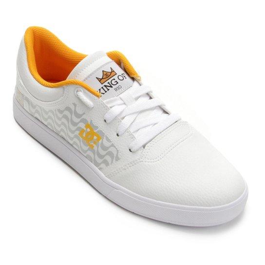 Tênis DC Shoes Crisis King Of Rio Masculino - Branco e dourado ... 5aeb03715662d
