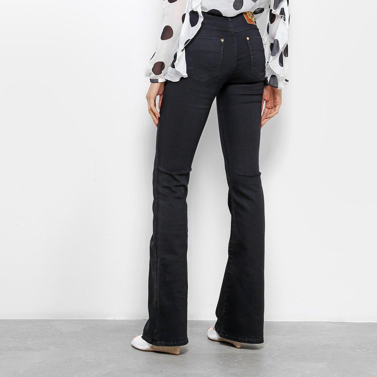 fa6b1b220 ... Foto 2 - Calça Jeans Flare Forum Básica Cintura Média Feminina