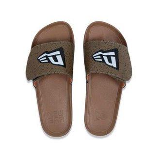 01557e50a4 Chinelo Slip-on Branded New Era