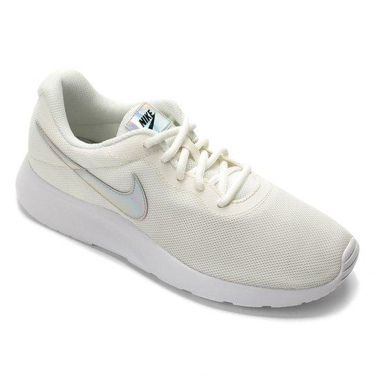 e5609426dc3 Tênis Nike Tanjun Feminino - Off White - Compre Agora