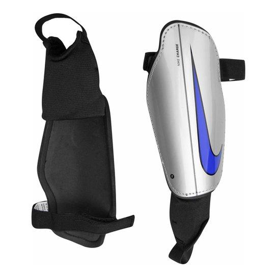 Caneleira c  Tornozeleira Nike Charge 2.0 - Compre Agora  f6d986f8493ae