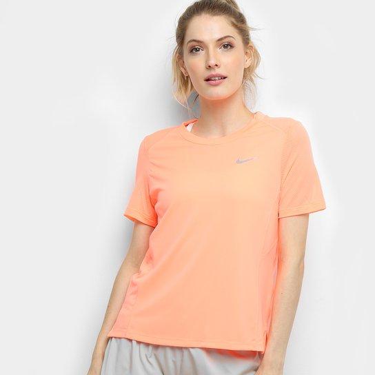 5220637018 Camiseta Nike Miler SS Feminina - Coral e Azul - Compre Agora