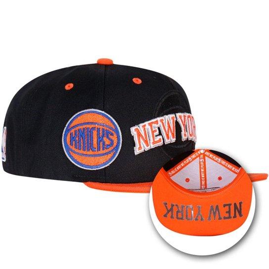 Boné Adidas Knicks - Preto e Laranja - Compre Agora  4e80620813e