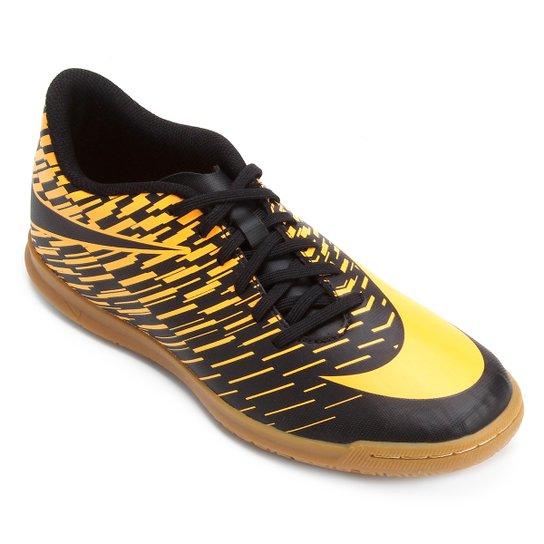 c7d966fc9d132 Chuteira Futsal Nike Bravata 2 IC - Preto e Laranja - Compre Agora ...