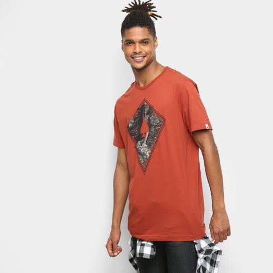 Camiseta MCD Regular The Birds 11 Masculina - Vermelho Escuro 50dd4ea2558