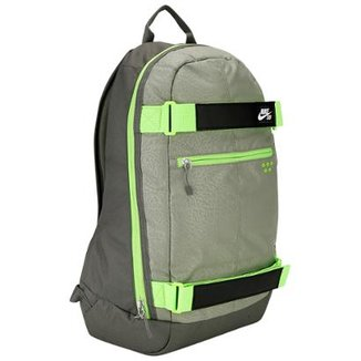 fdba69e10 Mochila Nike Embarca Medium