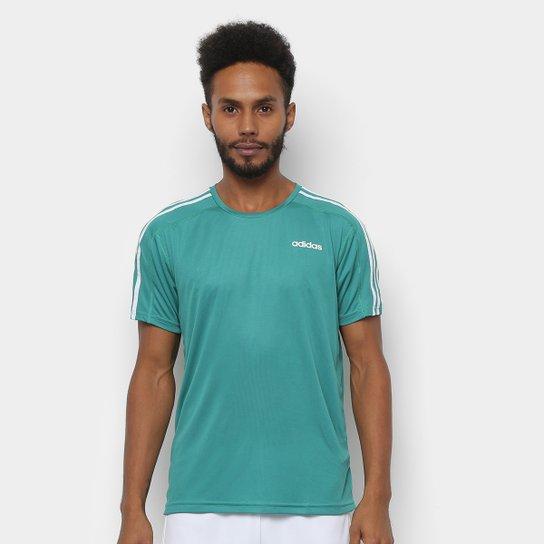 03078863e8b Camiseta Adidas Design 2 Move 3 Stripes Masculina - Verde e Branco ...