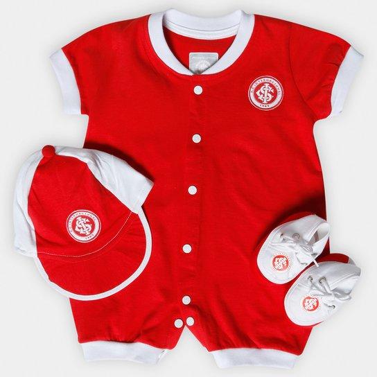 Kit Macacão + Boné e Sapatinho Internacional Bebê - Vermelho+Branco 275bd683cff