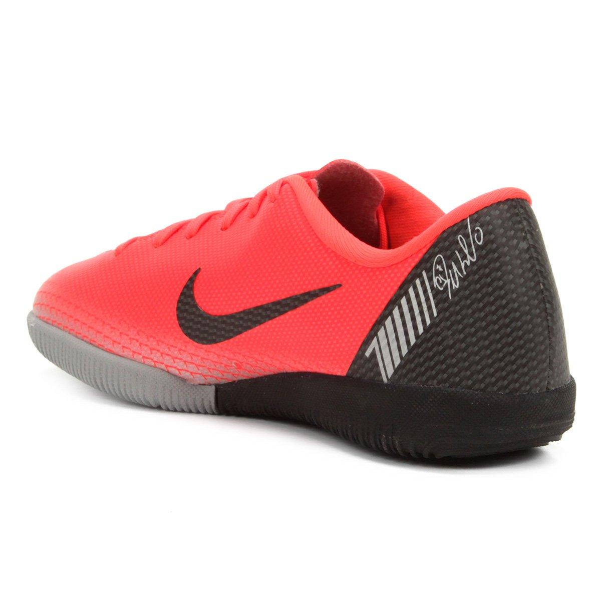 326e6b39f424c ... Chuteira Futsal Infantil Nike Mercurial Vapor 12 Academy GS CR7 IC - 1  ...