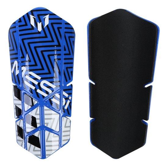 805c798cc1 Caneleira Adidas Messi 10 Lesto - Azul e Branco - Compre Agora ...