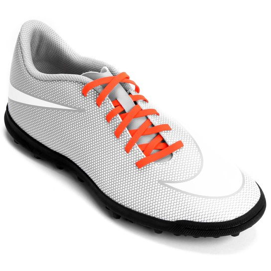 2fd1c4513a71b Chuteira Society Nike Bravata 2 TF - Branco e Cinza - Compre Agora ...