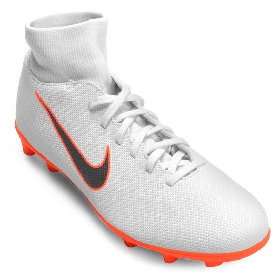 89e157afa8 Chuteira Campo Nike Mercurial Superfly 6 Club - Branco e Cinza ...