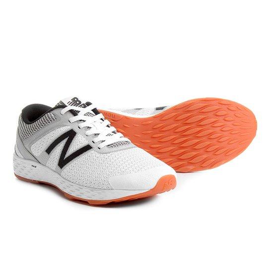 e7ed8c3977a Tênis New Balance 520 Feminino - Branco e Cinza - Compre Agora ...
