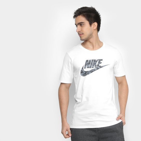 1b335bf904 Camiseta Nike Camo Pack Masculina - Branco e Cinza - Compre Agora ...