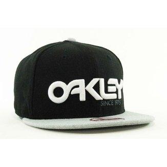 Boné Oakley 75 Snapback b75c52f18d4db