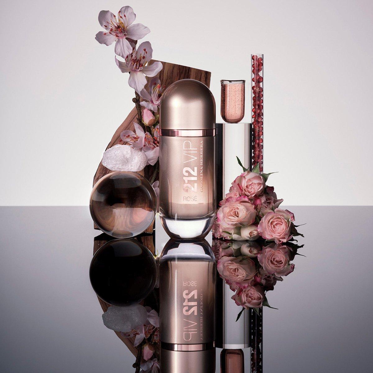 Perfume Feminino 212 VIP Rosé Carolina Herrera Eau de Parfum 50ml - 2
