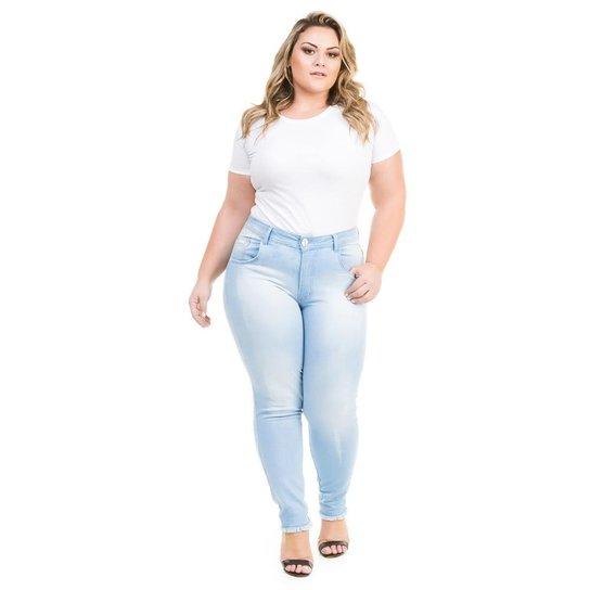 7bb474a7826 Calça Confidencial Extra Plus Size Jeans Cropped com Barra Desfiada  Feminina - Azul Claro. Loading.